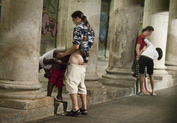 Sexo pagado en calles barcelona
