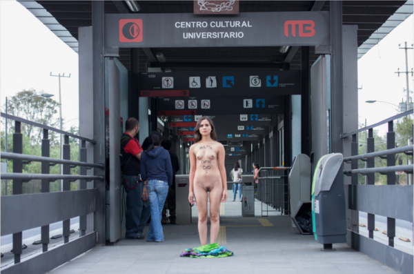 desnudos-metro7